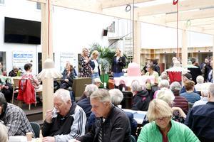 Helena Nyman och Anna Gullberg trivs bra som sambos och hade sett fram emot att få träffa läsarna.