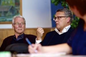 Bengt Norrlén, ordförande i familje- och utbildningsnämnden, och förvaltningschefen Ronny Kihlander fanns på plats för att bland annat ta emot synpunkter på hur skolorna kan göras mer attraktiva.
