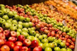 Äpplen i en livsmedelsbutik. Arkivbild.