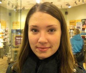 Britta Thörnblom, 18 år, studerande:1. Den är så vacker med alla färger.2. Vira in dig i en filt, ta en kopp te och sätt dig på balkongen med en bra bok.