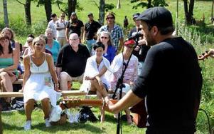 Mellan 250 till 300 personer samlades för söndagens konsert och kulturdag i Björnhyttan.FOTO: CHRISTER NYMAN