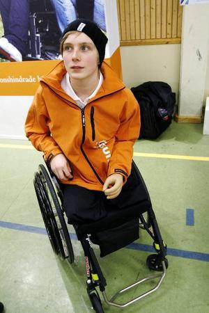 20-åriga simmaren Christoffer Lind var på plats för att hålla föredrag om sin väg tillbaka efter olyckan som tog båda hans ben och en arm. Ett halvår tog det, innan han åter tränade i bassängen, och därefter har han vunnit ett antal svenska medaljer och simmat till sig två fjärdeplaceringar i Paralympics.