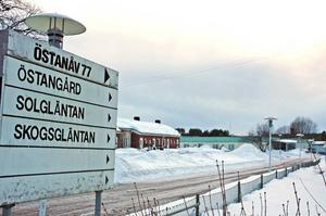 Flera dementa och även personal har drabbats av besvär vid Östangårds demenscentrum i Älvkarleby. Lokalerna angrips av svartmögel.