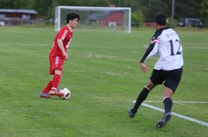Taher Alizadeh gjorde matchen enda mål i Svegs hemmamöte med Tandsbyn.