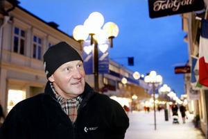 Staffan Önskog, Östersund:– Jo, jag litar nog på Jämtkraft. Men jag kontrollerar också mina räkningar för jag vet av egen erfarenhet att man inte kan lita på någon fullt ut. Jag har jämfört Jämtkraft med andra leverantörer, jag har till och med prövat andra leverantörer men funnit att Jämtkraft är bäst för mig.