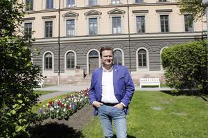 Andreas Näsman, näringslivs- och turistchef, menar att Gävle är för okänt i Sverige och vill ändra på det.