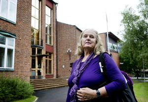 Anita Wallstedt ifrågasätter jäv i flera mobbningsfall här på kammarrätten.