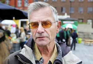 Christer Persson, Frösön:– Det har varit ganska likt alla andra valrörelser. Partiledarna gnabbar på varandra, men ändå har det varit ganska just.