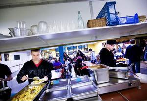 Den goda maten var en viktig anledning till att David Melin och Alexander Almström valde att gå på Vittra. Andra skäl var avsaknaden av läxor och prov, men också att lärarna är schysta på skolan.Foto: Håkan Luthman