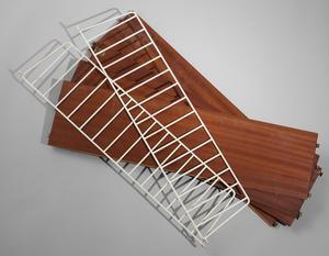 Stringhyllan klubbades för 1500 kronor på Bukowskis.