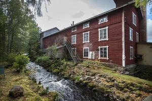 Här placerades den första generatorn i Stömne, eller dynamomaskin som den benämns i Hudiksvalls Nyheter från 1887.