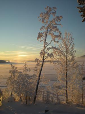 Vy överStorsjön medFrösöbron i bakgrunden. Bilden är tagen i Lugnvik. Foto: Carina Norgren