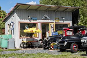 Ingen tidigare sommar har det varit så många besökare hos nostalgimacken i Långshyttan.