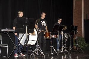Livsrytmer bjöd på den spännande låten Trantrio med enbart trummor.