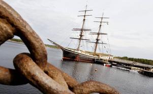 – Att segla med Mackmyra whisky i lasten till Skottland, eller varför inte till Amerika, vore en dröm, säger föreningens vice ordförande Nagamon Andersson.