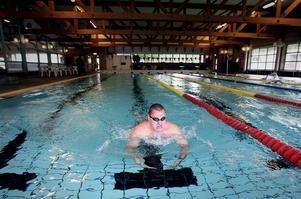 Karl Forsman är en kraftfull simmare. Stark i överkroppen.