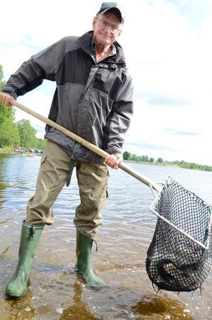 I år är kommunen med och sponsrar frifisket i Lindesjön, berättar Roland Johansson.