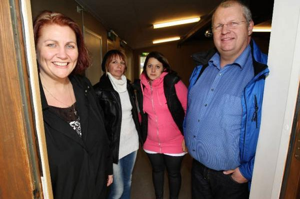 Verksamhetsledaren Nina Fjätvall tillsammans med Maria Ekelund, Linn Ekelund och Örjan Svensson från Folkets Husföreningen.