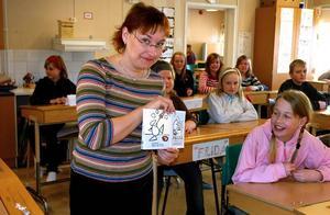 Författarbesök. Författaren och illustratören Boel Werner på besök hos klass fyra a i Kungsgårdsskolan i Säter.
