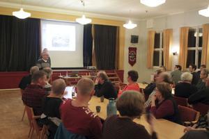 Ett 30-tal personer hade mött upp för information om saneringen av Marieberg.