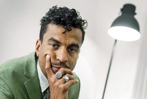 Jason Diakité, också känd under artistnamnet Timbuktu, gör sin litterära debut med boken