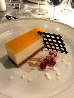 Dessert. Cheesecake avslutade trerättersmiddagen.