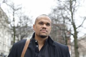 Poeten och författaren Johannes Anyuru är en av dem som kommer till den parallella litteraturscenen som Göteborgs Litteraturhus anordnar. Arkivbild.