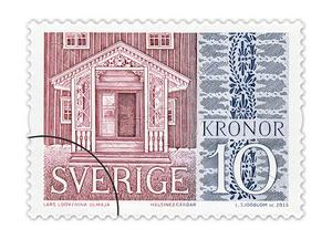 Förstukvisten på gammelgården i Fågelsjö vid sidan av ett schablonmåleri från Gästgivars i Vallsta. Bild: PostNord