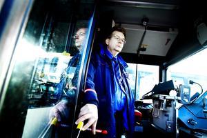 Ola Westman, bussförare och fackligt ombud på Swebus, tror att de flesta har chans att få jobb i det nya företaget, Stadsbussarna i Östersund.