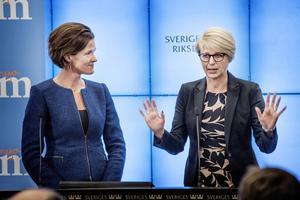 Moderaternas partiledare Anna Kinberg Batra och arbetsmarknadspolitiske talesperson Elisabeth Svantesson.