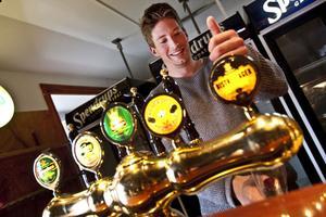 Puben Ghuben har funnits sedan 70-talet. Puben har mängder av ölsorter. Nationen köper in öl för ungefär 100 000 kronor varje år.