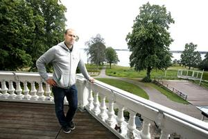 """""""Engeltofta är en pärla"""", säger Daniel Carlsson från Brända Bocken som snart tar över restaurang- och hotelldelen på Engeltofta."""