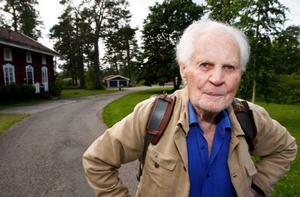 Robert Fresk är barnbarn till den gamla handlaren med samma namn. I ett par år har Robert d.y. nu svarat för guidade runturer bland Östersunds gamla gårdar.