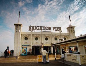 Havet och den vackra piren gör att Brighton är väl värt ett besök. Foto: Karin Bernle