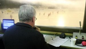 Janne Olsson är matchspeaker..