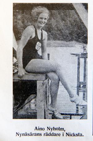 """""""Nynäsärans räddare """" – Aino Nyholm – vann 200 meter bröstsim för damer under Nynässpelen.Foto: NP 16 augusti 1935"""