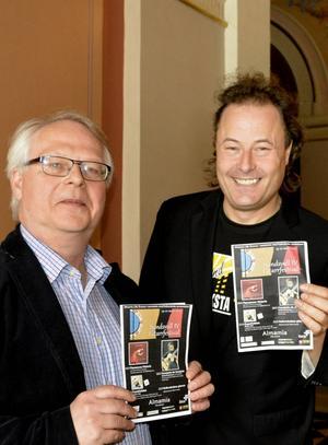 Orkesterns Lennart Åkermark samt Yamandú Pontvik.