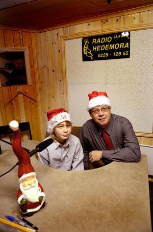 Linus och Tommy Samuelsson har jobbat med programmet som sänds på både julafton och juldagen.