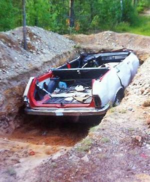 Så här såg det ut när bilen grävdes ner år 1994.