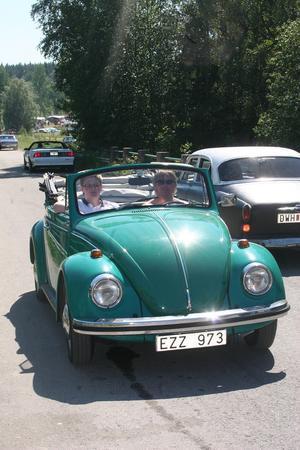 Ut på Mid Sweden Quiz, tipsrunda på vägen mellan Gnarp och Gränsfors. drar denna läckra Volkswagen av typ