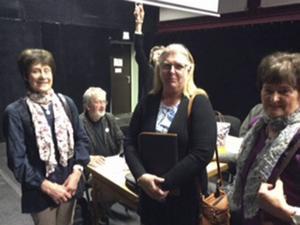 Tre ombud på årsstämman, f.v. Britta Persson, Karin Persson och  Birgitta Eriksson, samtliga från Trönö.