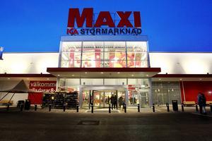 ICA Maxi i Birsta slutade sälja fyrverkerier redan 2008 av hänsyn till djuren.