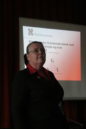 Eva Hjärthner-Holdar delade med sig av sina kunskaper om Blästbruk. Hon är docent och chef för Geoarkeologiskt laboratorium vid Riksantikvarieämbetets Undersökningsverksamhet i Uppsala.