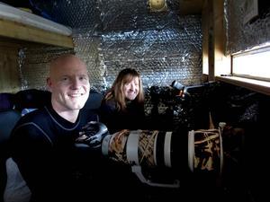 Naturfotograferna. Hasse Andersson från Sandviken är min guide och fotopraktikanten Stephanie Jonsson från Gävle följer med.