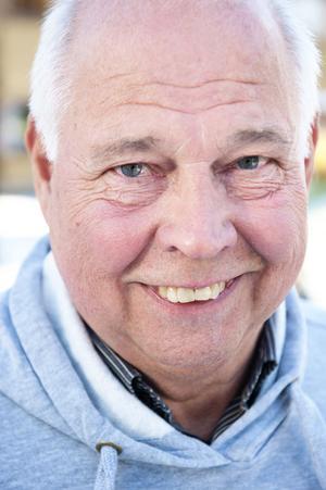 Håkan Romlin överlevde stroken, tack vare hustruns snabba ingripande.