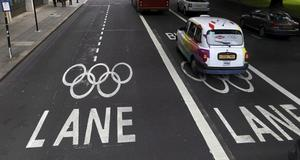 Särskilda körbanor för OS-bilar.