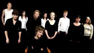 Teaterföreställningen T.O.K ger en föreställning på Nisserska i Falun som handlar om en dödskjutning i en skola i USA. Foto: Lars Dafgård