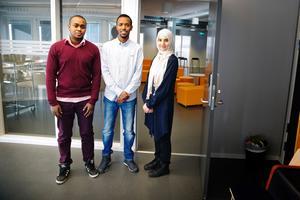 Fahad Abdi, 30 läkare från Kenya, Mohamed Gedi, 30, läkare från Somalia och Aynure Abdulla, 28, läkare från Kina.