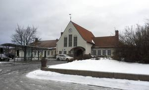 Järnvägsstationen i Sundsvalls ägs av Jernhusen. Nu är en försäljning till Sundsvalls kommun högaktuell.