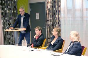 Den rödgröna majoriteten med Staffan Norberg (V), Elof Hansjons (S), Boel Godner (S) och Ewa Lofvar Gerdsdotter (MP).